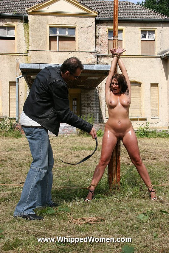free pics of women being whipped